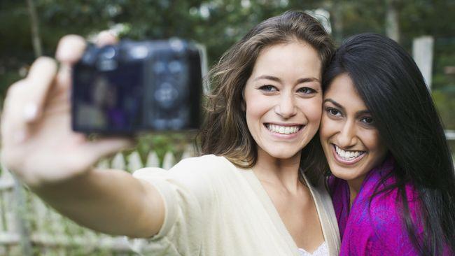 Korban Akibat Foto Selfie Lebih Banyak Dibanding Serangan Hiu