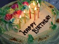 Tiup Lilin Kue Ulang Tahun Disebut Picu Timbulnya Penyakit