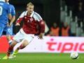 Bendtner : Saya Bisa Cetak Empat Gol