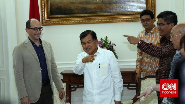 Beda Gaya CEO Facebook dan Twitter Kunjungi Jakarta