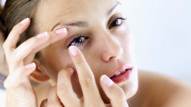 Bahaya yang Ditanggung Jika Sembarangan Pakai Lensa Kontak