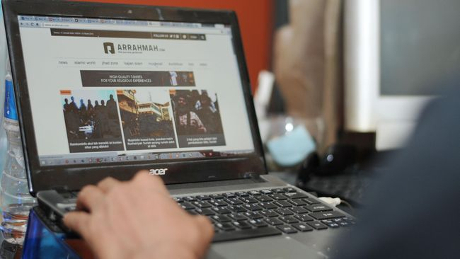 Takut Digugat, OJK Tak Berani Minta Pemblokiran Situs MMM