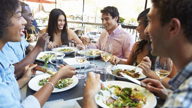 Kebiasaan Makan di Luar Rumah Memicu Darah Tinggi