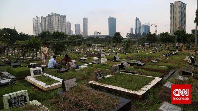 Ada Kuburan Palsu, Ahok Indikasikan Rombak Dinas Pemakaman
