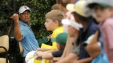 Woods pun dilaporkan hanya mendapatkan angka 74 pada sesi latihan pertamanya di Augusta National, pada Selasa (31/3) yang lalu. (Reuters/Bryan Snyder)