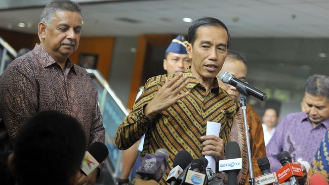Jokowi 'Setrum' 11 Ribu Rumah Tangga Tak Mampu di Bekasi