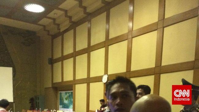 Anggota DPR Baku Hantam, Rapat dengan ESDM Ditunda