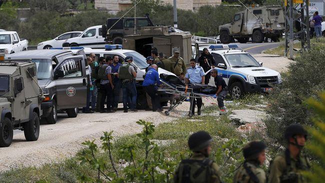 Tiga Warga Palestina Tabrak Militer Israel dengan Mobil