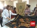 AS Bantu Rawat Kain Batik Indonesia Berumur Puluhan Tahun
