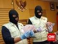KPK Periksa Polisi Kurir Suap Politikus PDIP