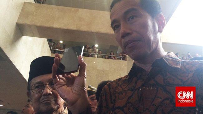 Jokowi dan Habibie Promosikan Ponsel Buatan Batam