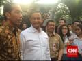 Anies Angkat Suara soal Foto Dipayungi Jokowi