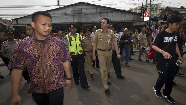 Ahok Akan Buat Jembatan Toko untuk Akomodasi PKL