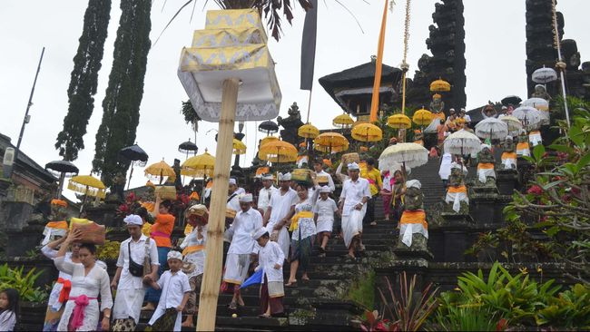 Ada Pungutan Liar di Besakih, Pariwisata Bali Tercoreng