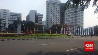 Pasukan Oranye, Sang 'Penjaga' Sampah Jakarta Saat Sepi