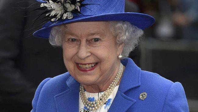 Ratu Elizabeth 'Tak Bisa Hidup' Tanpa Cake Biskuit Cokelat