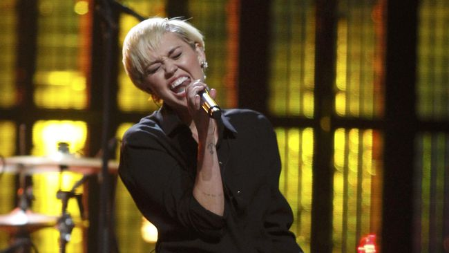 Miley Cyrus dan Liam Hemsworth Dikabarkan Menikah