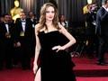Rencana Angelina Jolie Adopsi Anak Terancam Gagal