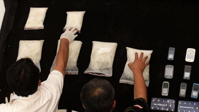 Selundupkan Narkoba di Sepatu, Mantan Politikus Jepang Dibui