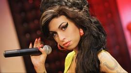 Amy Winehouse 'Kembali' ke Panggung Grammy Awards