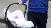Belum ketahuan nama si bayi perempuan Pangeran William dan Kate Middleton. Namun bandar judi di Inggris sudah lebih dulu bertaruh soal nama si bayi, dari Charlotte, Alice, Victoria sampai Elizabeth. Bandar judi ini bahkan sudah bertaruh jenis kelamin si bayi sejak masih dalam kandungan.
