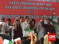 Jokowi Serahkan Kartu Sakti ke Ribuan Warga Sulawesi Utara