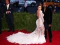 Kala Kanye West Sebut Gaya Kim Kardashian Terburuk