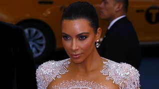 Kim Kardashian Frustrasi Menanti Kelahiran Anak Ke-3