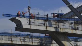 Buruh Duga Jokowi Kejar Target Infrastruktur Demi Pilpres