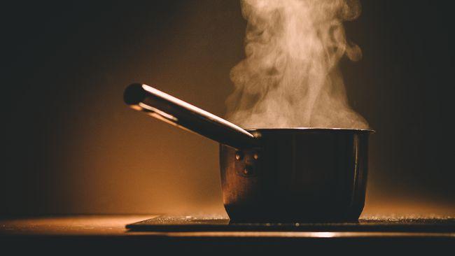 Asap Dapur Saat Masak Ternyata Tak Lebih Aman dari Asap Rokok