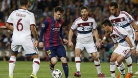 Beckenbauer Kritik Pola Tiga Bek Munich