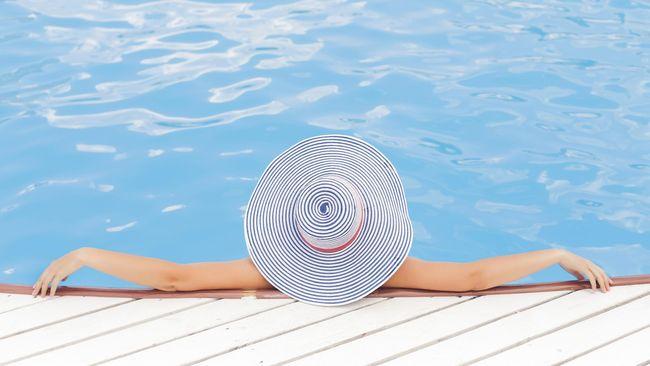 Alasan Perempuan Sebaiknya Tidak Berenang Kala Haid