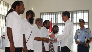 Menko Tedjo Dorong Tahanan Politik Papua Minta Grasi Jokowi
