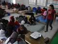 Warga Total Persada Tangerang Mengungsi di GOR akibat Banjir