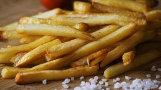 Pemuda Inggris Buta karena Kebanyakan Makan Kentang Goreng