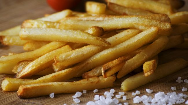 6 Makanan Penyebab Kolesterol Tinggi