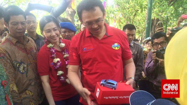 Ahok: E-Money di Lenggang Jakarta Minimalisir Pungli Preman