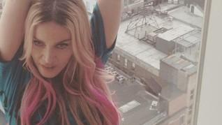 Atas Nama Feminisme Aktris Hollywood Memanjangkan Bulu Ketiak
