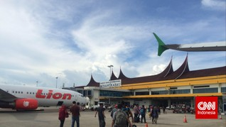 Tiket Pesawat Mahal, Penumpang Bandara Minangkabau Anjlok