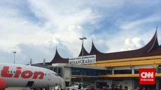 Jumlah Pemudik di Bandara Minangkabau Rontok 35 Persen