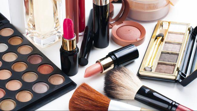 Lima Bakteri Mematikan yang Bersarang di Make-up Kedaluwarsa