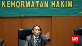 Jokowi Beri Tanda Kehormatan untuk Ayah Farhat Abbas