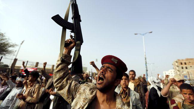 Jelang Kunjungan Trump, Houthi Klaim Tembak Rudal ke Riyadh