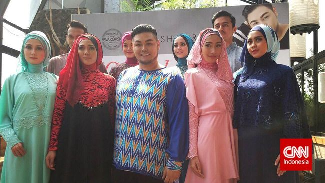 Ivan Gunawan Desain Busana Muslim Dengan Harga Terjangkau