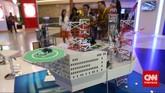 Miniatur rig pada pameran Indonesian Petroleum Association di Balai Sidang Jakarta, Rabu, 20 Mei 2015.