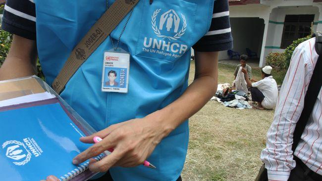 Ratusan Pengungsi Afghanistan Unjuk Rasa di Kantor UNHCR