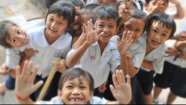 Ahok: PNS Gunakan Cuti Antarkan Anak Hari Pertama Sekolah