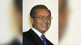 Mahathir Kecam Pemaksaan Berbusana Muslim di Malaysia