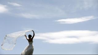 Perancis Pecahkan Rekor Ekor Gaun Pengantin Terpanjang Dunia