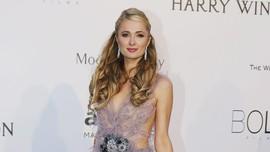 Mewahnya Cincin Tunangan Rp27 Miliar Paris Hilton-Chris Zylka